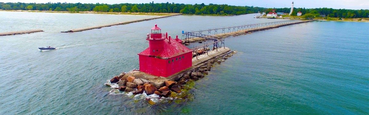 door county photographers, drone operators, uav, commecial drone pilots, hire a drone pilot, real estate photographers in wisconsin,wi photographers,wisconsin photography, lighthouse, sturgeon bay, lake michigan, drone photos of wisconsin