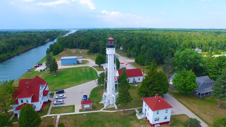 75ebd5fe88e sturgeon-bay-lighthouse2-fvwd - Fox Valley Web Design LLC