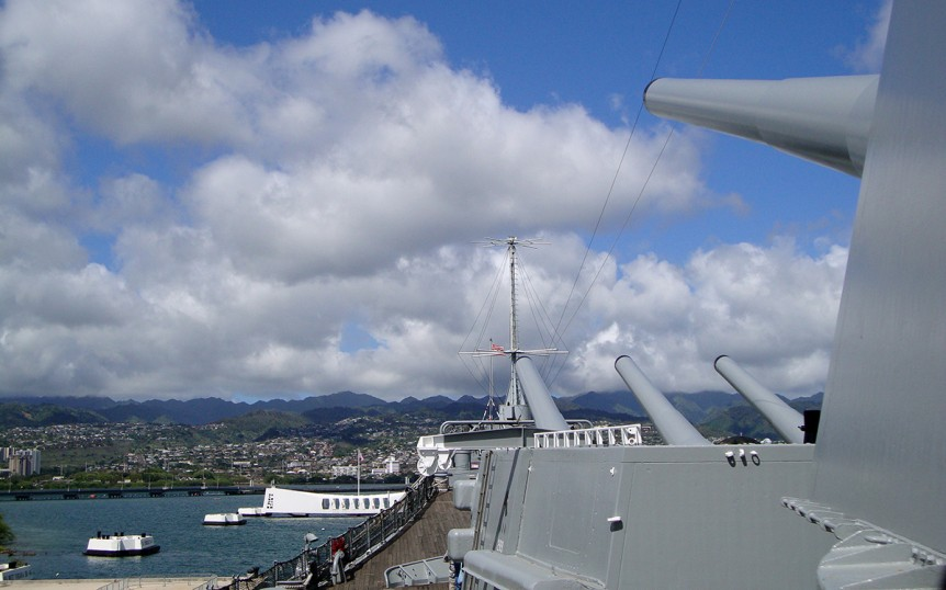 cloud, 1941, america, american, metal, attraction, battle, battleship, boat, bomb, bow, brave, commemorate, december, dock, firepower, gun, harbor, hawaii, historic, history, honolulu, honour, japan, japanese, memorial, military, missouri, mo, historical building, moored, museum, marin, oahu, pacific, pearl, radar, remember, sacrifice, sailor, ship, site, soldier, holiday maker, tragic, united, war, earth