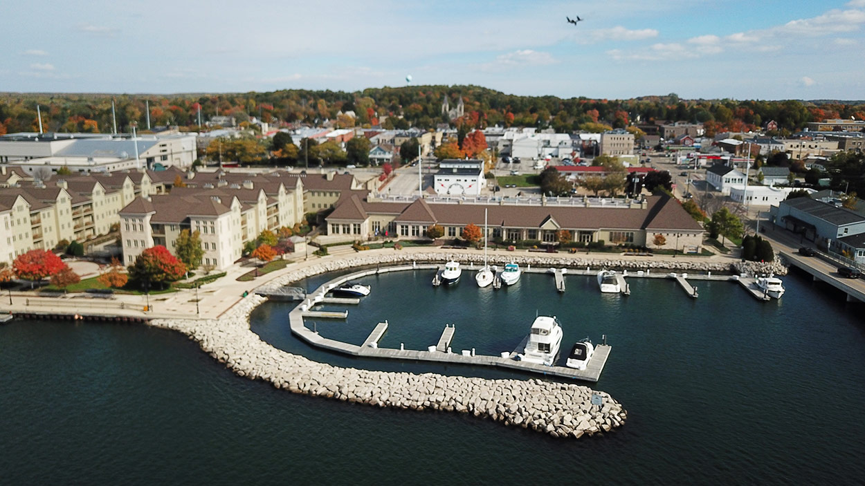 Sturgeon Bay Wi Hotels And Resorts Front Royal Va Lodging